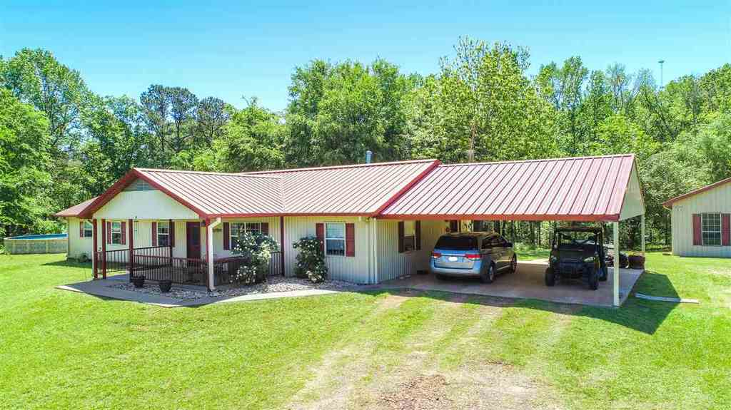 Photo of home for sale at 7632 Gull Road, Gilmer TX