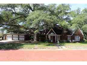 Property for sale at 117 W Quitman, Gladewater,  TX 75647